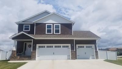 West Fargo Single Family Home For Sale: 3043 Claire Drive E
