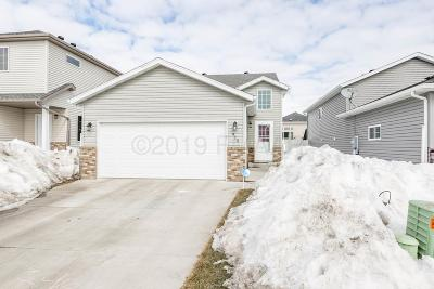 West Fargo Single Family Home For Sale: 912 30th Avenue W