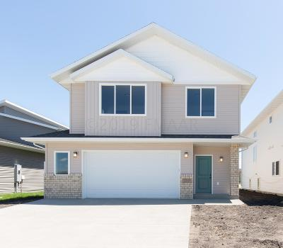 West Fargo Single Family Home For Sale: 2215 10th Court W
