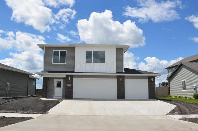 West Fargo Single Family Home For Sale: 1014 27th Avenue W