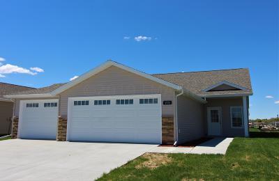 West Fargo Single Family Home For Sale: 3772 7 Street E