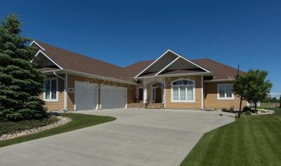 Fargo Single Family Home For Sale: 5885 Silverleaf Drive S