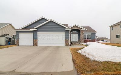 Fargo Single Family Home For Sale: 4784 Lavonne Court S