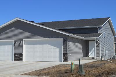 Mapleton Single Family Home For Sale: 135 Pine Avenue