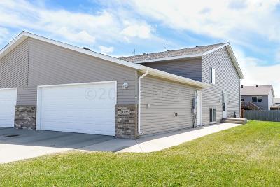 West Fargo Single Family Home For Sale: 1053 41 Avenue W