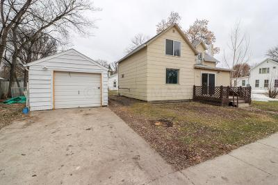 Casselton Single Family Home For Sale: 301 8 Avenue N