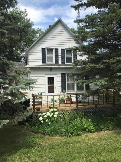Single Family Home For Sale: 130 Vivian Street W