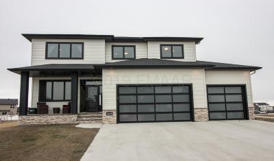 West Fargo Single Family Home For Sale: 3629 Bell Boulevard E