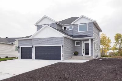 West Fargo Single Family Home For Sale: 2176 Dock Drive W