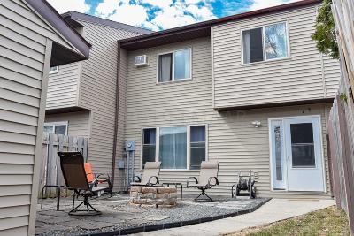 West Fargo Condo/Townhouse For Sale: 242 20 Street E