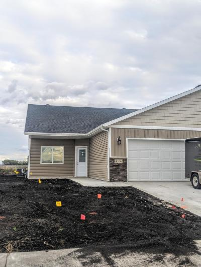 Moorhead Single Family Home For Sale: 4536 19th Street S