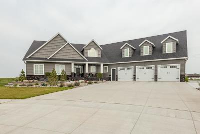 West Fargo Single Family Home For Sale: 1126 Aspen Terrace