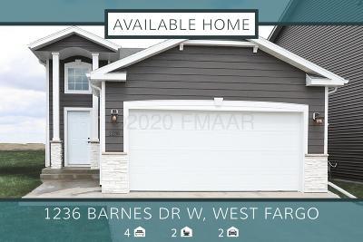 West Fargo Single Family Home For Sale: 1236 Barnes Drive W