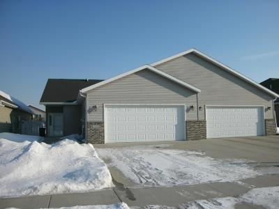 Fargo Single Family Home For Sale: 4766 Clock Tower Lane S