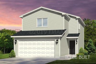Mapleton Single Family Home For Sale: 37 Cedar Drive