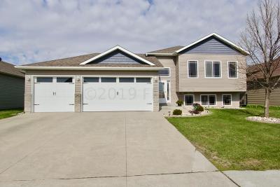 Moorhead Single Family Home For Sale: 1317 35 St. Cir. S
