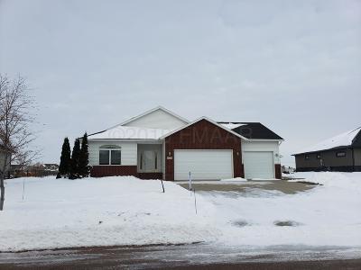 Fargo Single Family Home For Sale: 4739 Woodhaven Street S