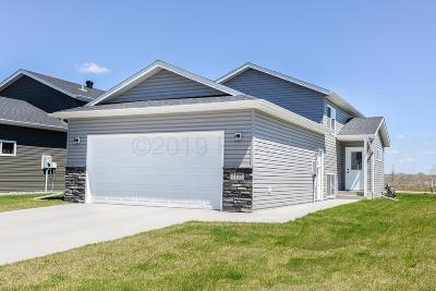 West Fargo ND Single Family Home For Sale: $210,000