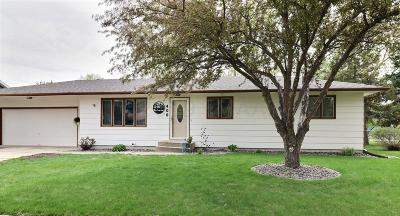West Fargo ND Single Family Home For Sale: $200,000