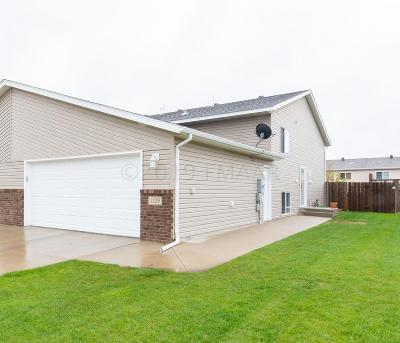 West Fargo ND Single Family Home For Sale: $189,900