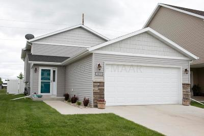 West Fargo Single Family Home For Sale: 413 Foxtail Drive E