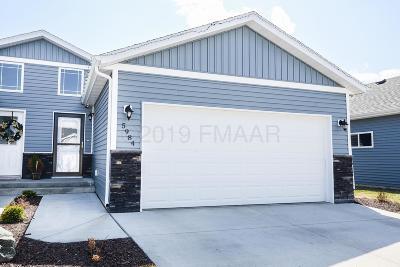 Fargo Single Family Home For Sale: 5984 61 Avenue S