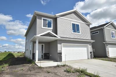 Fargo, Moorhead Single Family Home For Sale: 3630 30th Street S