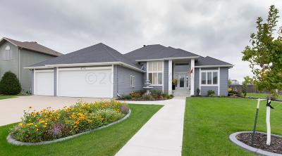 Fargo Single Family Home For Sale: 4734 Woodhaven Street S