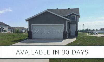 West Fargo Single Family Home For Sale: 2761 Divide Street W