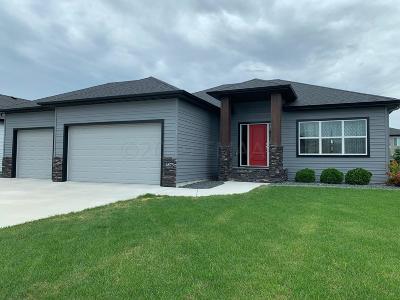 Fargo Single Family Home For Sale: 6873 23 Street S