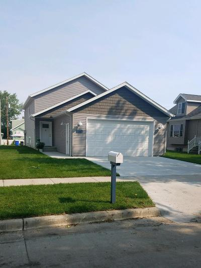 West Fargo Single Family Home For Sale: 948 27th Avenue W