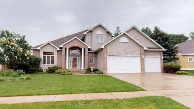 Fargo Single Family Home For Sale: 4850 Rose Creek Creek S