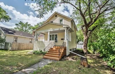 Fargo Single Family Home For Sale: 810 10 Street N