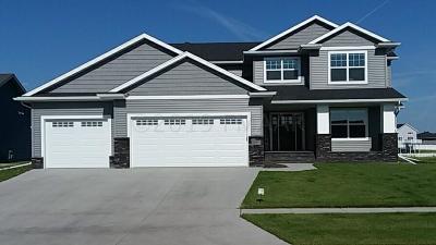 West Fargo Single Family Home For Sale: 1089 Legion Lane W