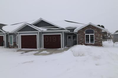 Detroit Lakes Single Family Home For Sale: 826 Whitetail Lane