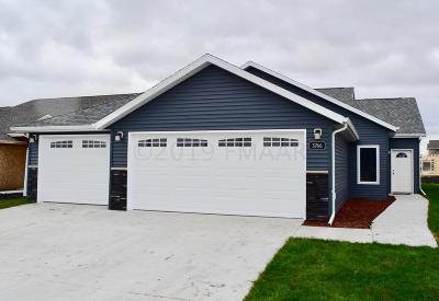 West Fargo Condo/Townhouse For Sale: 3766 7th Street E