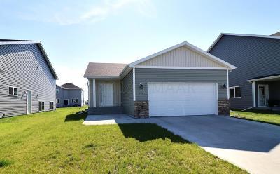 Fargo Single Family Home For Sale: 7454 21st Street S