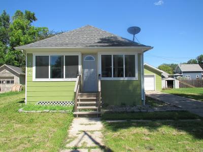 Single Family Home For Sale: 304 Center Avenue E