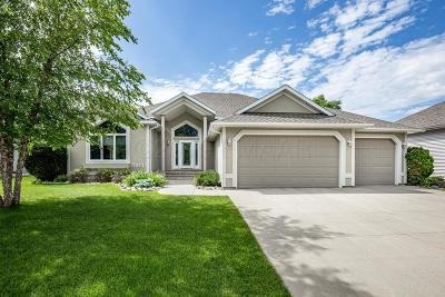 West Fargo Single Family Home For Sale: 1811 Charleswood Estates Drive