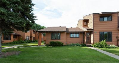 Moorhead Condo/Townhouse For Sale: 2209 4th Avenue S #4