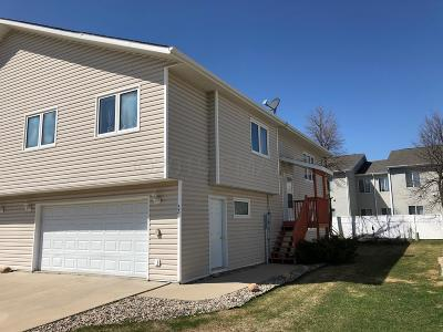 West Fargo Single Family Home For Sale: 52 Pinewood Boulevard