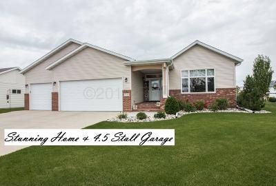 Fargo, Moorhead Single Family Home For Sale: 4734 Arbor Court S