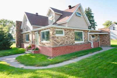 Hankinson Single Family Home For Sale: 411 2nd Street NW