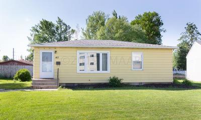 Moorhead Single Family Home For Sale: 411 Sunrise Circle