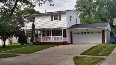 Moorhead Single Family Home For Sale: 433 Maple Lane