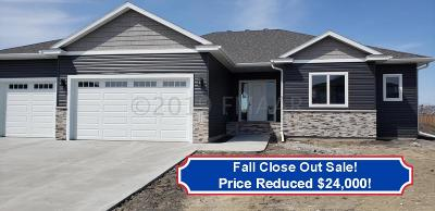 West Fargo Single Family Home For Sale: 2408 North Pond Drive E