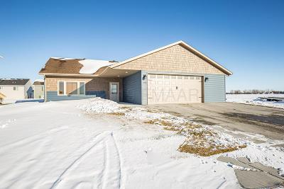 Moorhead MN Single Family Home For Sale: $299,900
