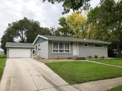 West Fargo Single Family Home For Sale: 434 3rd Avenue E
