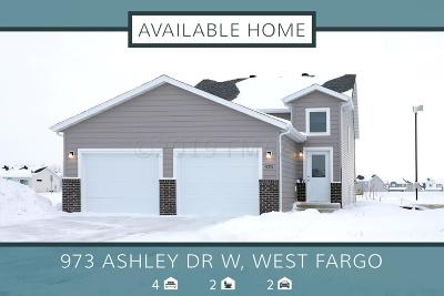 West Fargo Single Family Home For Sale: 973 Ashley Drive W
