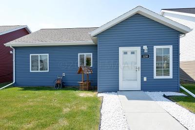 Fargo, Moorhead Single Family Home For Sale: 2218 57 Avenue S